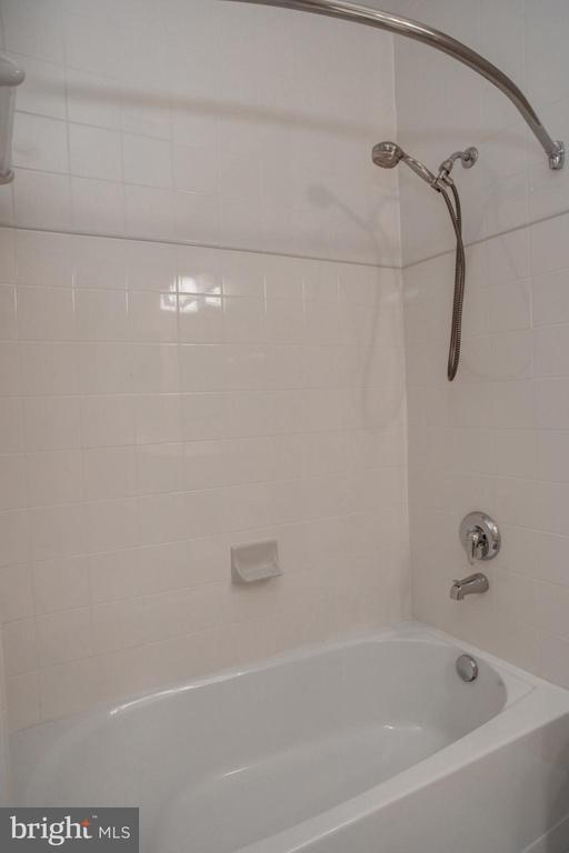Full Bath/Shower - 440 BELMONT BAY DR #104, WOODBRIDGE