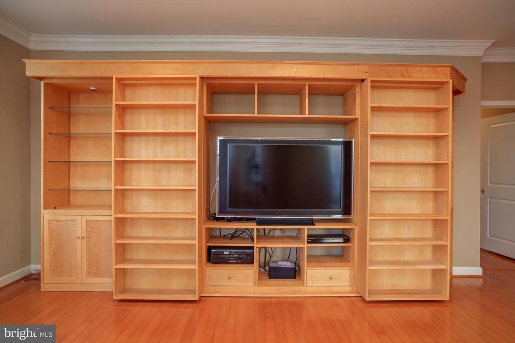 Built-in Sliding Bookshelves   (TV does not convey - 440 BELMONT BAY DR #104, WOODBRIDGE