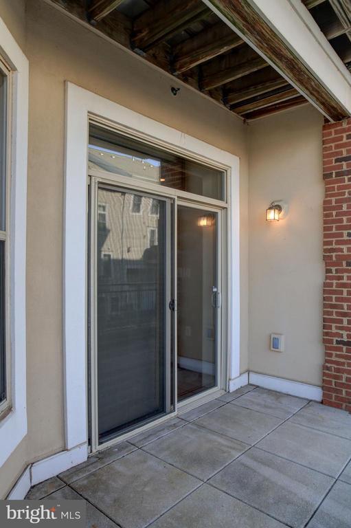 Sliding Glass Doors to Balcony - 440 BELMONT BAY DR #104, WOODBRIDGE