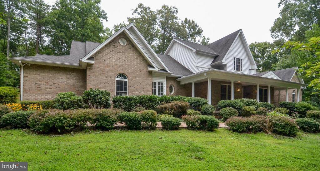 Custom Brick Home With Tons of Upgrades - 5 DEEP RUN RD, FREDERICKSBURG