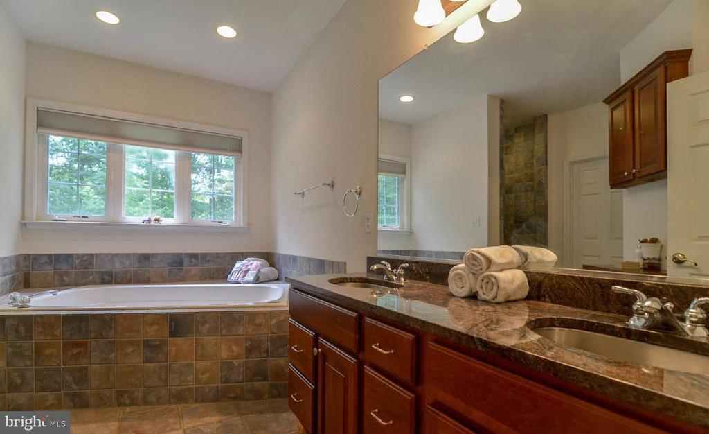 MBA features Custom Tile & Stainless  Steel Sinks - 5 DEEP RUN RD, FREDERICKSBURG