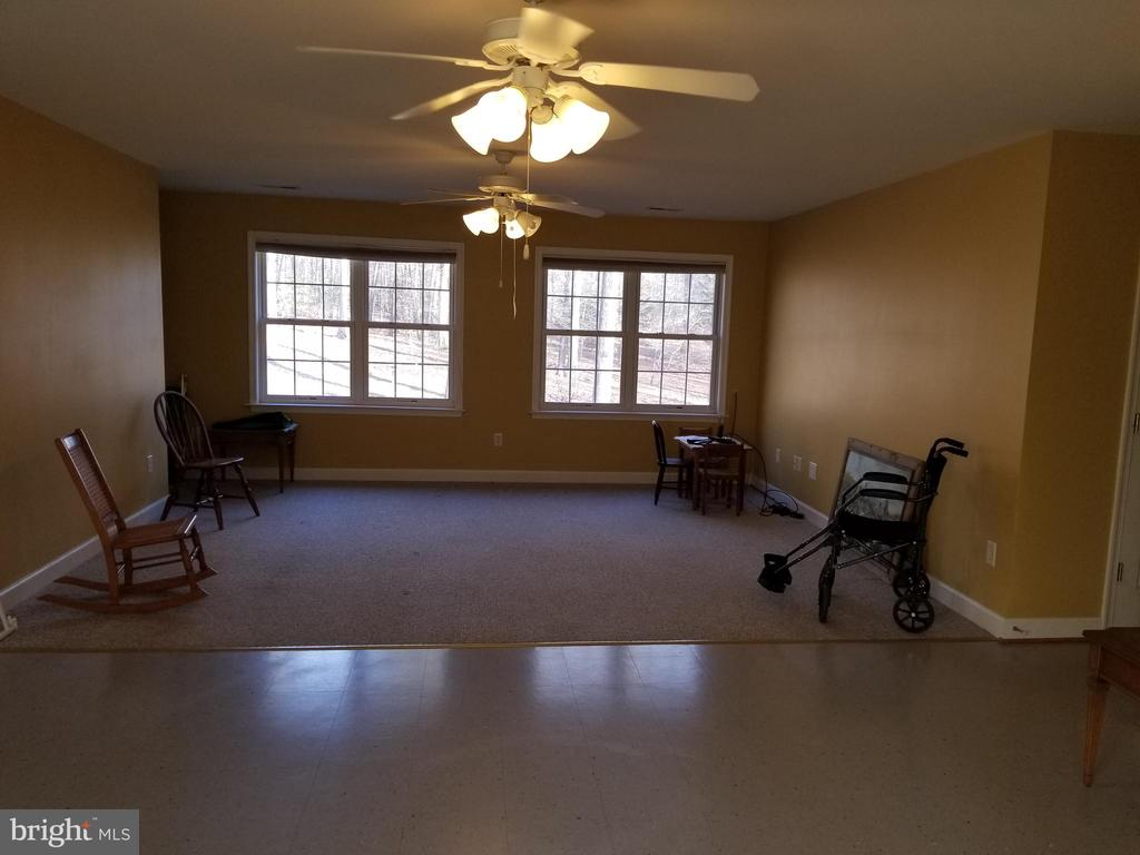 Upper Level Can Be BR,  Play Rm,  or Game Rm. - 5 DEEP RUN RD, FREDERICKSBURG
