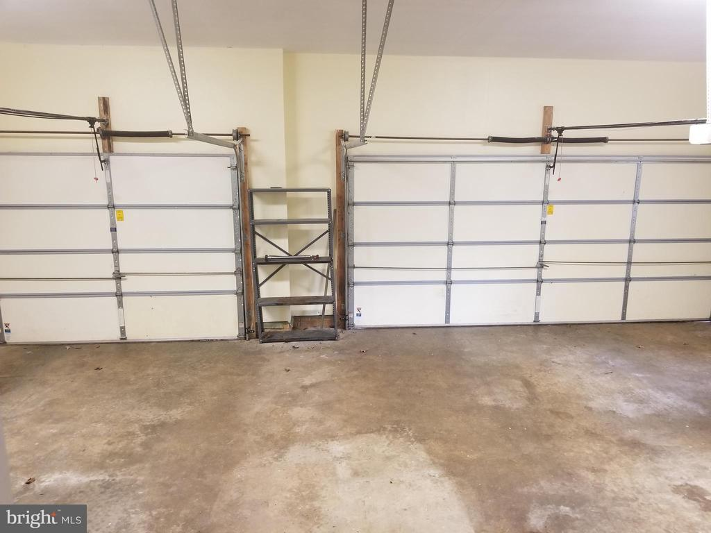 Side Load 3 Car Garage with Remotes - 5 DEEP RUN RD, FREDERICKSBURG