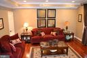 Living Room notice the beautiful crown molding! - 1724 BAY ST SE, WASHINGTON