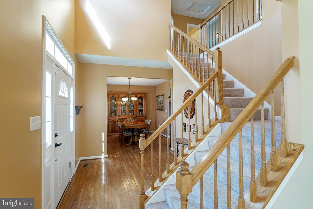 Spacious 2 Story Welcoming Foyer - 3704 THOMASSON CROSSING DR, TRIANGLE