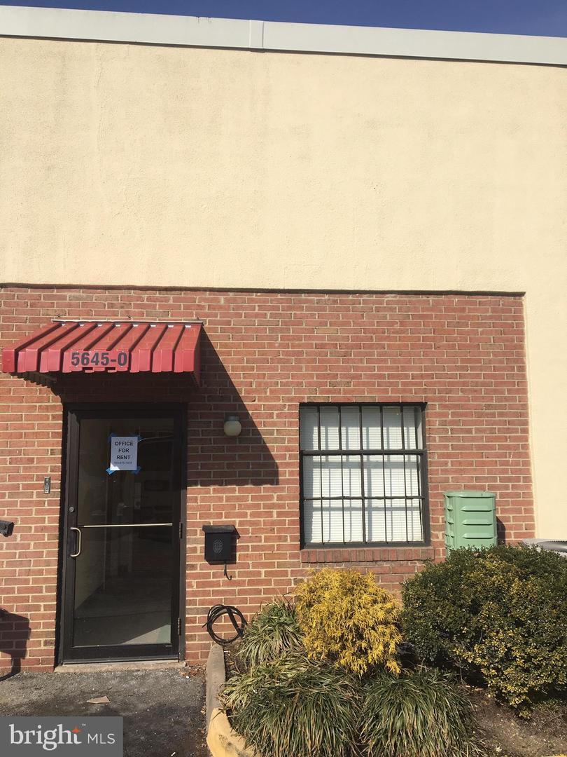 단독 가정 주택 용 임대 에 Alexandria, 버지니아 22312 미국