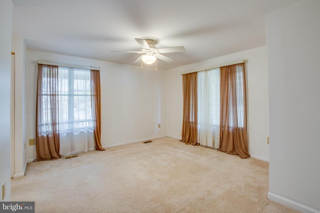 Main Level, Master Bedroom - 232 BIRCHSIDE CIR, LOCUST GROVE