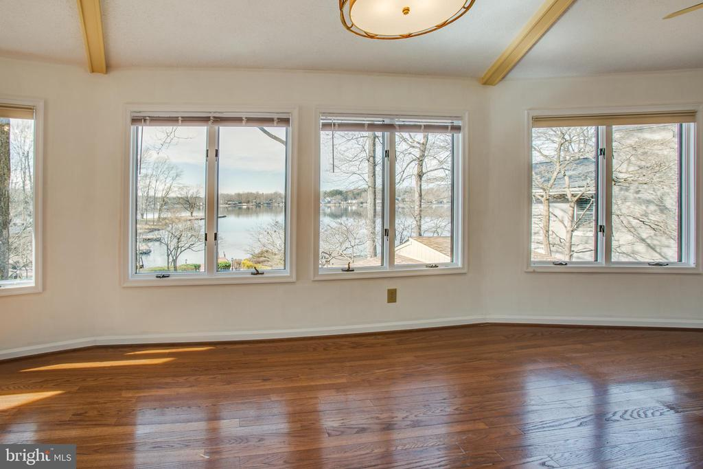 Main Level Sun Room - 232 BIRCHSIDE CIR, LOCUST GROVE