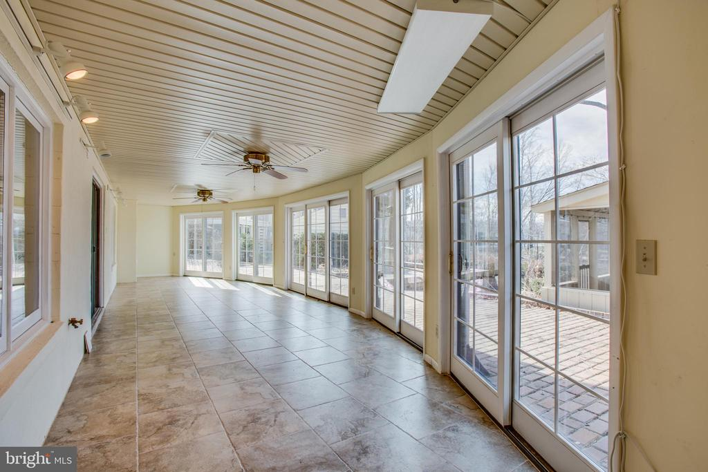 Endless Entertaining Options - 2nd Sun Room! - 232 BIRCHSIDE CIR, LOCUST GROVE