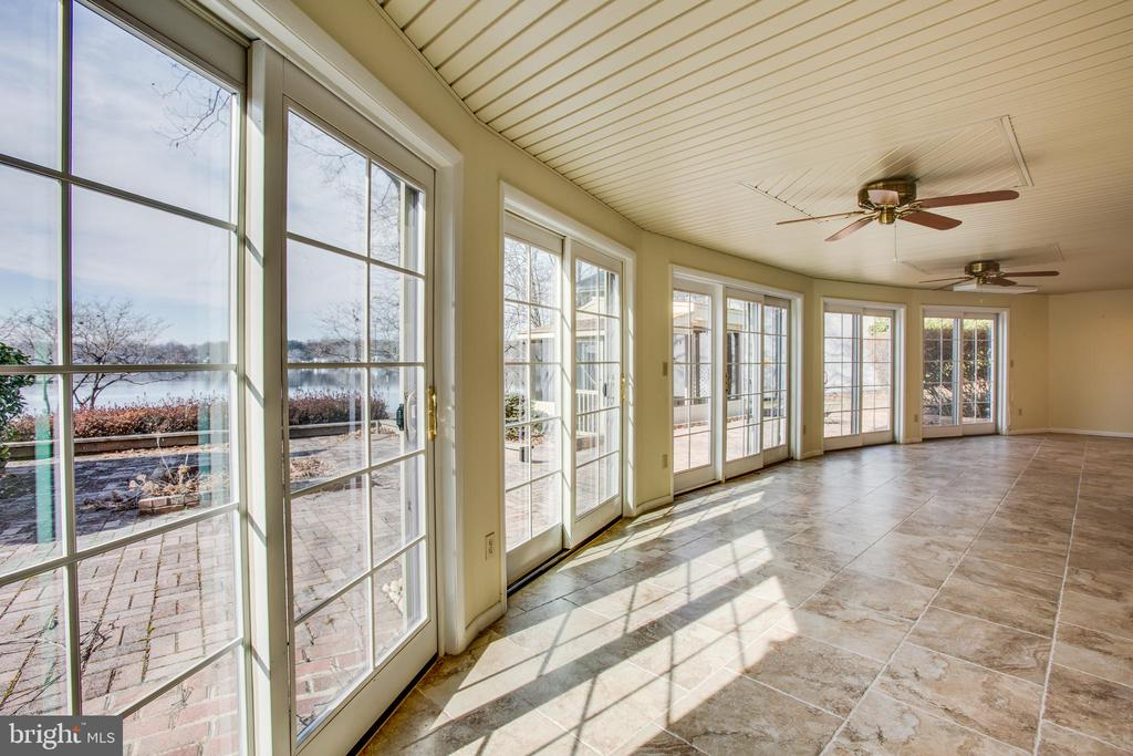 2nd Sunroom on the LL looking out to the Lake! - 232 BIRCHSIDE CIR, LOCUST GROVE