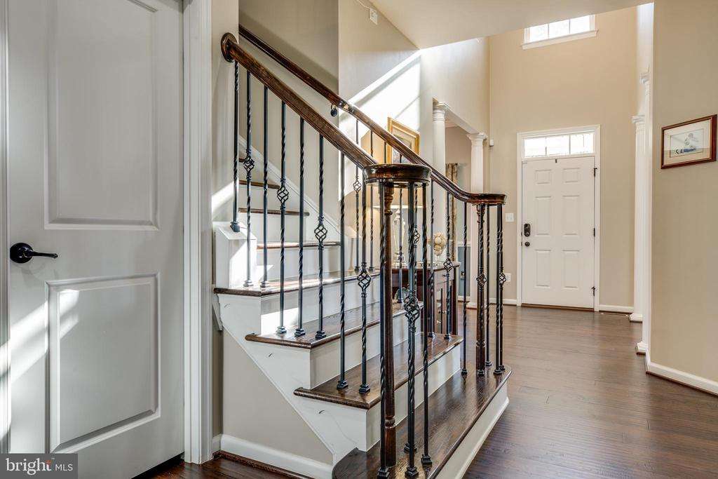Wrought iron railing on main and upper stairs - 98 GENEVIEVE CT, FREDERICKSBURG
