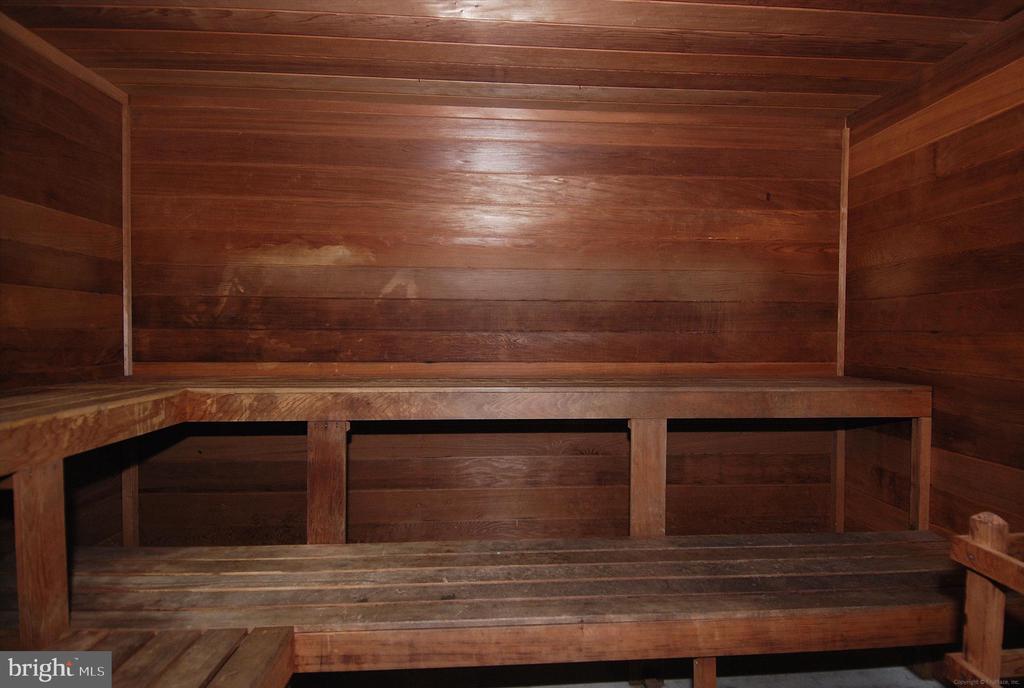 Sauna - 2100 LEE HWY #114, ARLINGTON