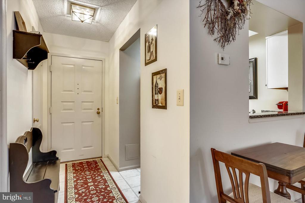 Hallway into unit - 2100 LEE HWY #114, ARLINGTON