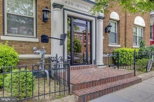 430 IRVING ST NW #4