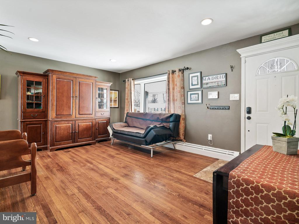Living Room from the Main Hall - 9716 LAFAYETTE AVE, MANASSAS