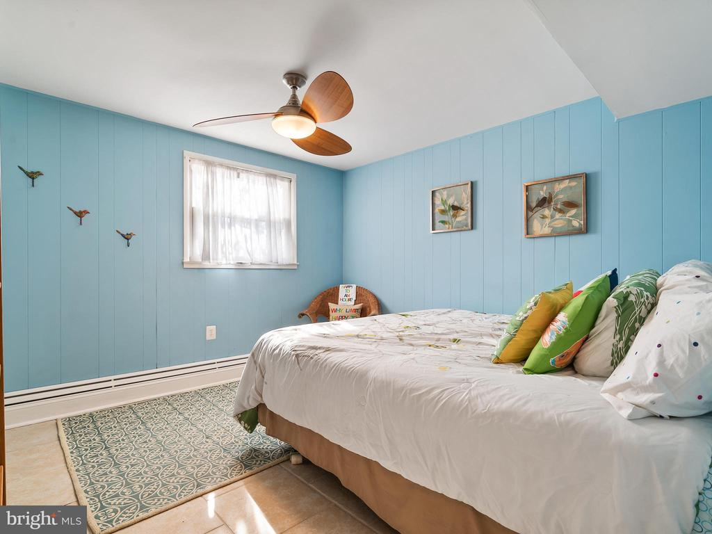 Large Basement Bedroom - 9716 LAFAYETTE AVE, MANASSAS