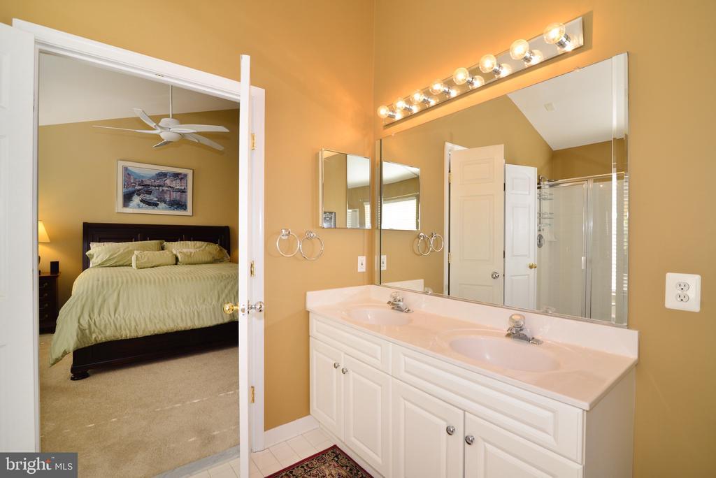 Double sinks in Master Bathroom - 12171 TRYTON WAY, RESTON