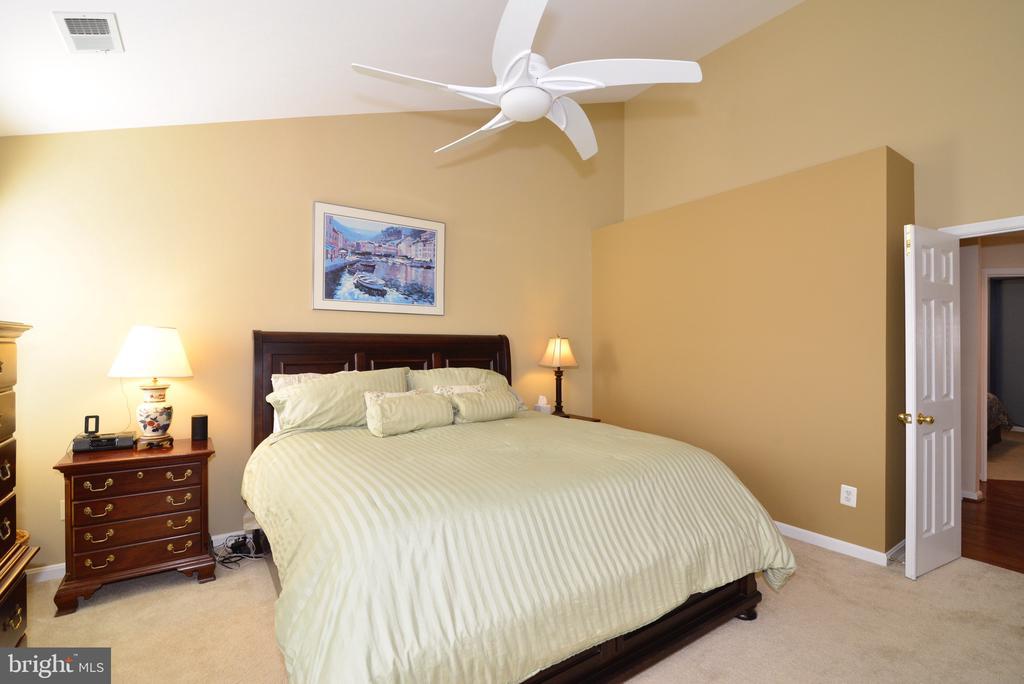 Spacious Master Bedroom - 12171 TRYTON WAY, RESTON