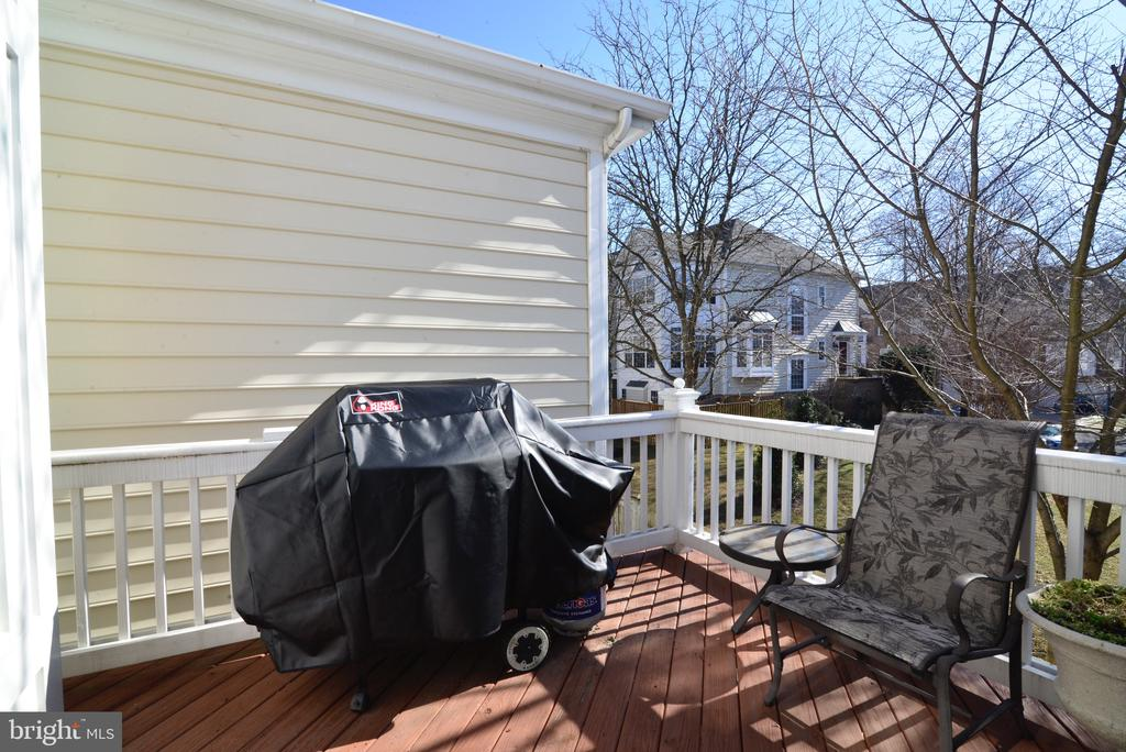 Easy access to grilling on deck! - 12171 TRYTON WAY, RESTON