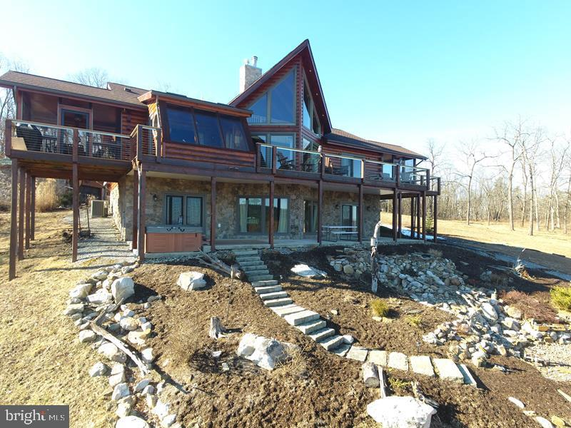 Single Family for Sale at 529 Bluffs Ridge Rd Springfield, West Virginia 26763 United States