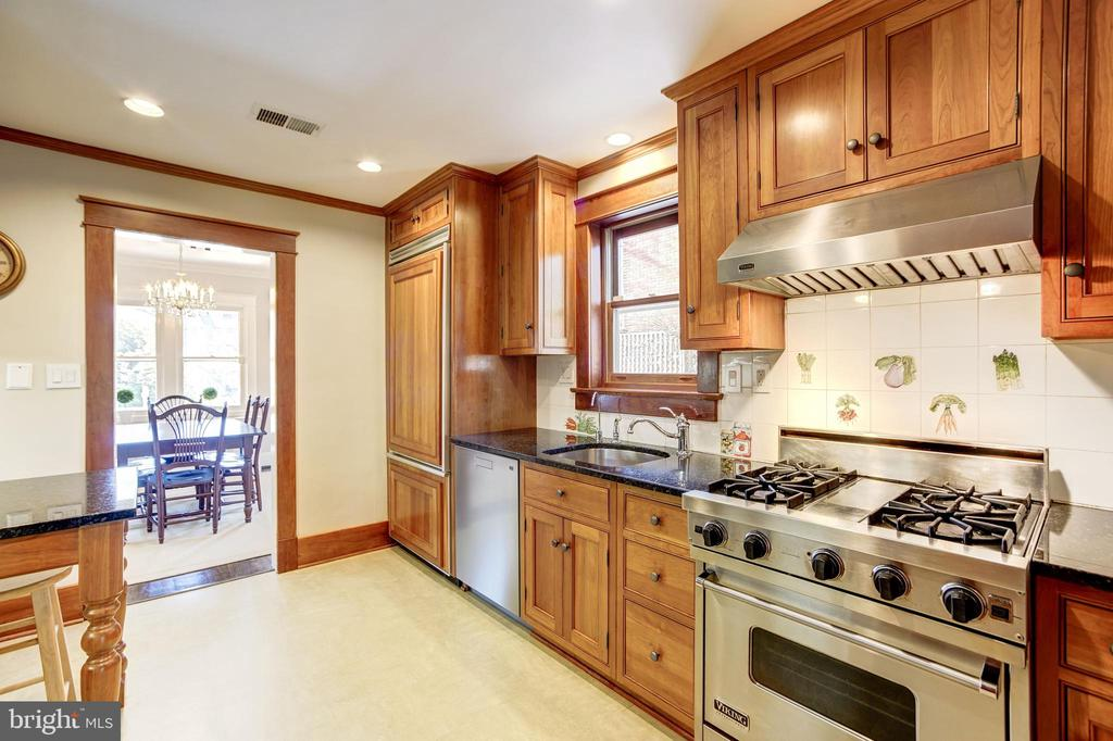 Cook's kitchen with  gas Viking  Range - 115 W MAPLE ST, ALEXANDRIA