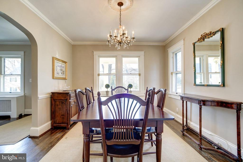 Charming light filled dining room - 115 W MAPLE ST, ALEXANDRIA