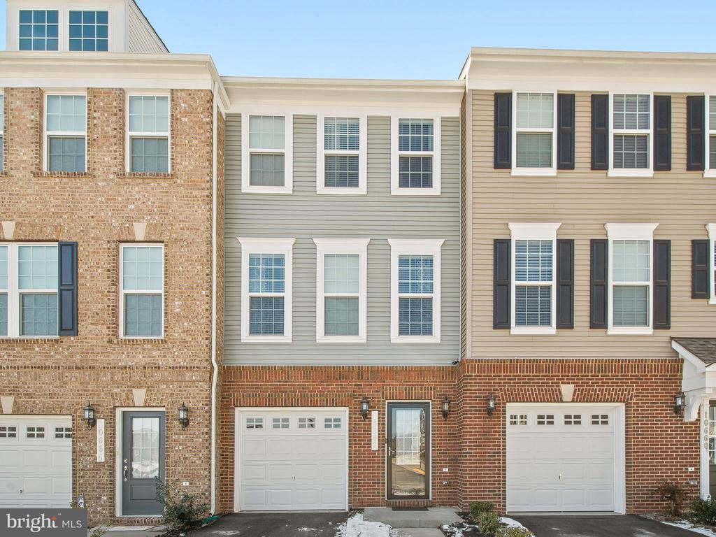 Close Front - 10662 VIEWMONT LN, MANASSAS