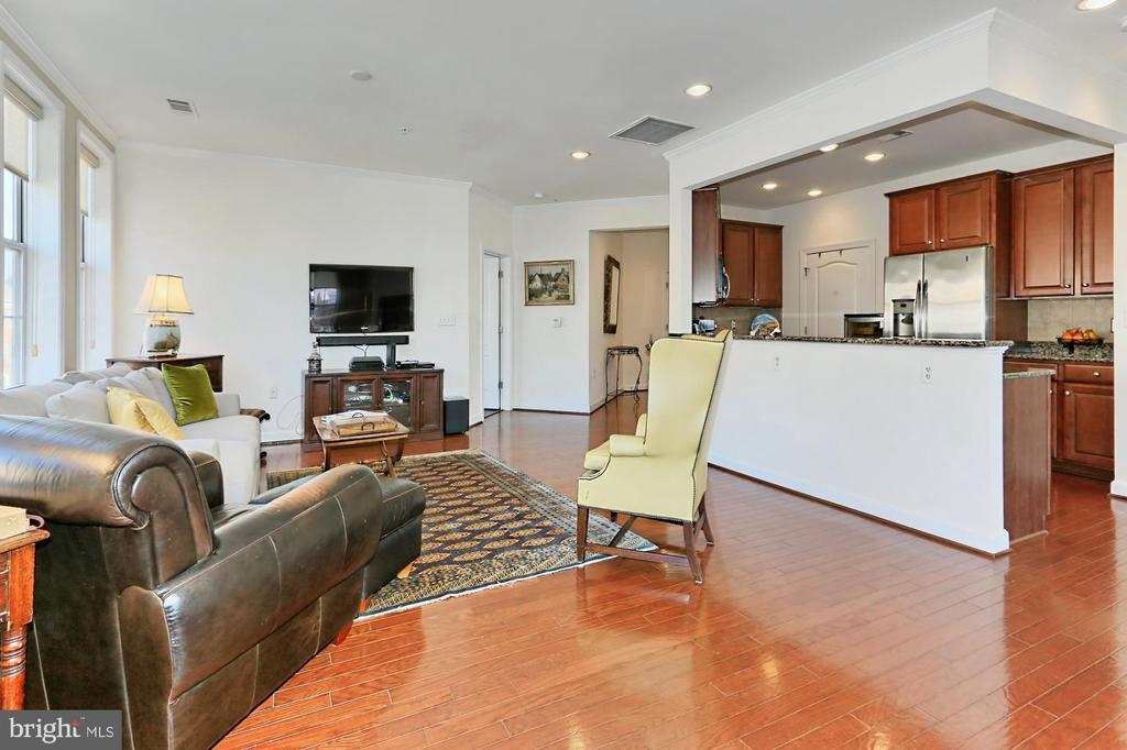 Living Room/Kitchen - 400 CAMERON STATION BLVD #202, ALEXANDRIA