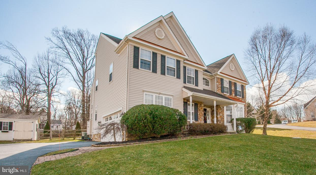Photo of home for sale at 23 Millridge Drive, Aston PA