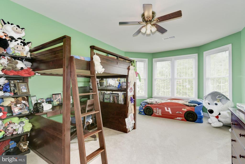 Bedroom Upper Level - 43896 RIVERPOINT DR, LEESBURG