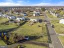 One of the largest lots in this area. - 25955 MCCOY CT, CHANTILLY