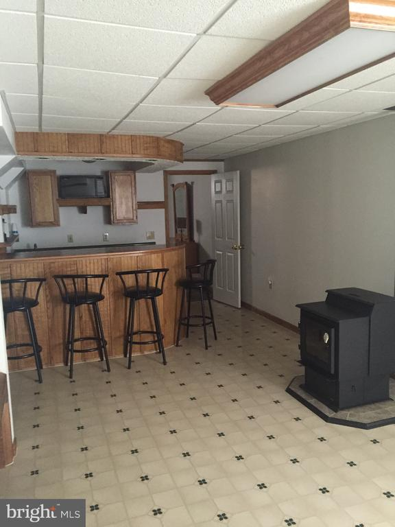 Lower Level Bar  w/Pellet Stove - 8 WESTCHESTER CT, STAFFORD