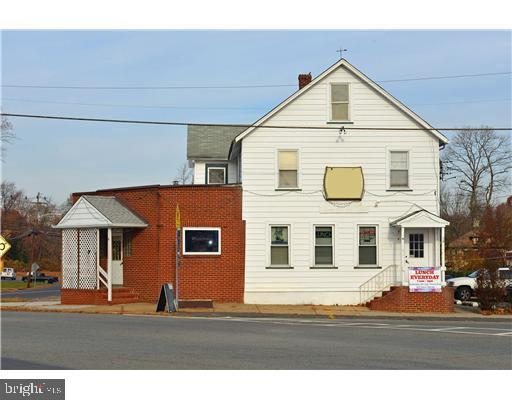 pour l Vente à Jamesburg, New Jersey 08831 États-Unis