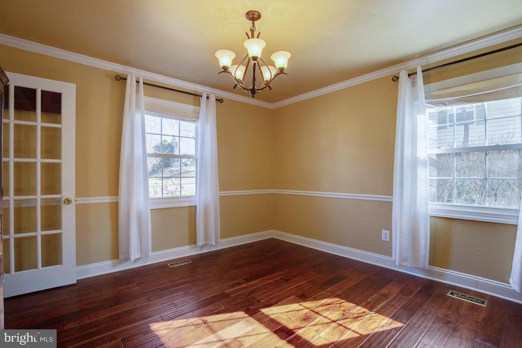 Separate/formal dining room - 4314 MARKWOOD LN, FAIRFAX