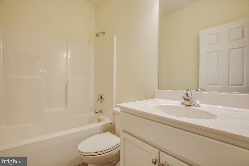 Hall Full Bath - 105 HAPPY CREEK RD, LOCUST GROVE