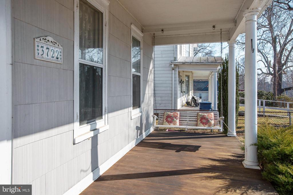 Front Porch to Take in the views - 3722 KANAWHA AVE, POINT OF ROCKS