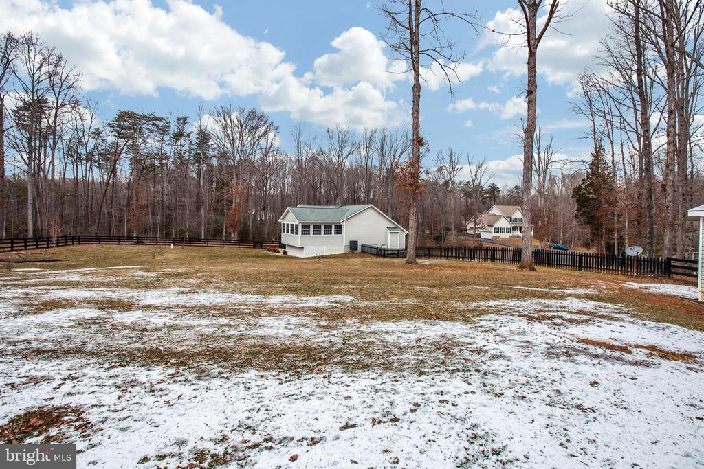 Big yard - 8430 SWAN WOODS RD, RHOADESVILLE