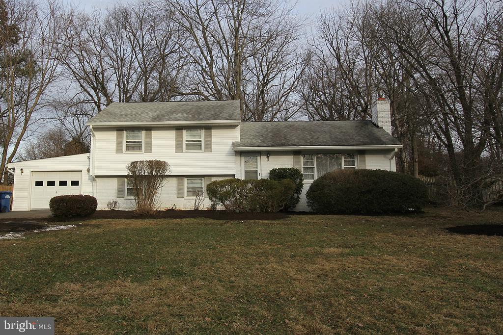 2113  REYNOLDS STREET, one of homes for sale in Falls Church