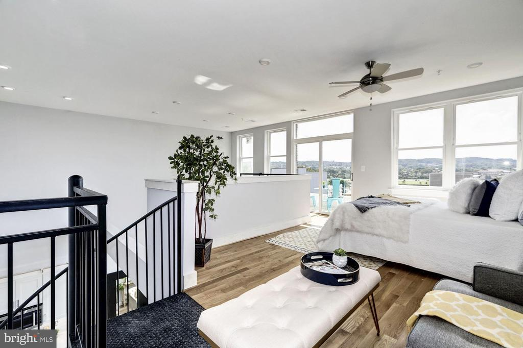 2nd story loft is AWESOME bedroom space - 1512 K ST SE #6, WASHINGTON