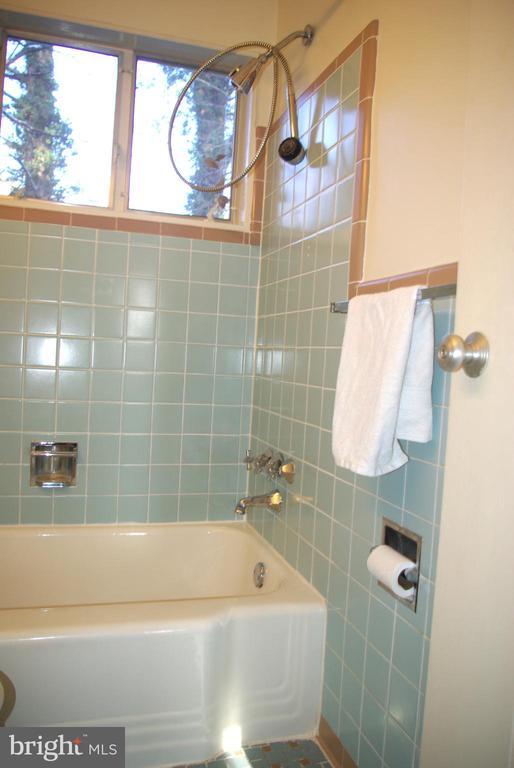 Main level Bathroom view 2 - 7604 GLENNON DR, BETHESDA