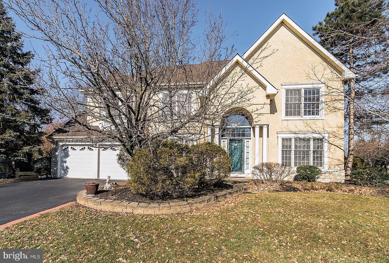 Enfamiljshus för Försäljning vid 12 TANAGER Lane Cranbury, New Jersey 08512 Förenta staternaI/Runt: Plainsboro Township