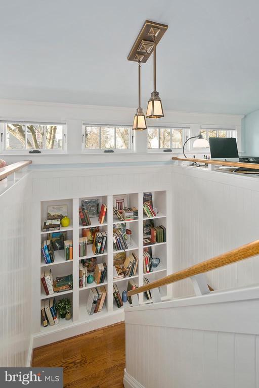 Bookcase and treetop views - 1714 N CALVERT ST, ARLINGTON