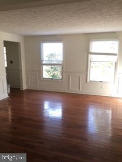 Beautiful hardwood floors in formal living room! - 10273 WINDGATE CT, MANASSAS