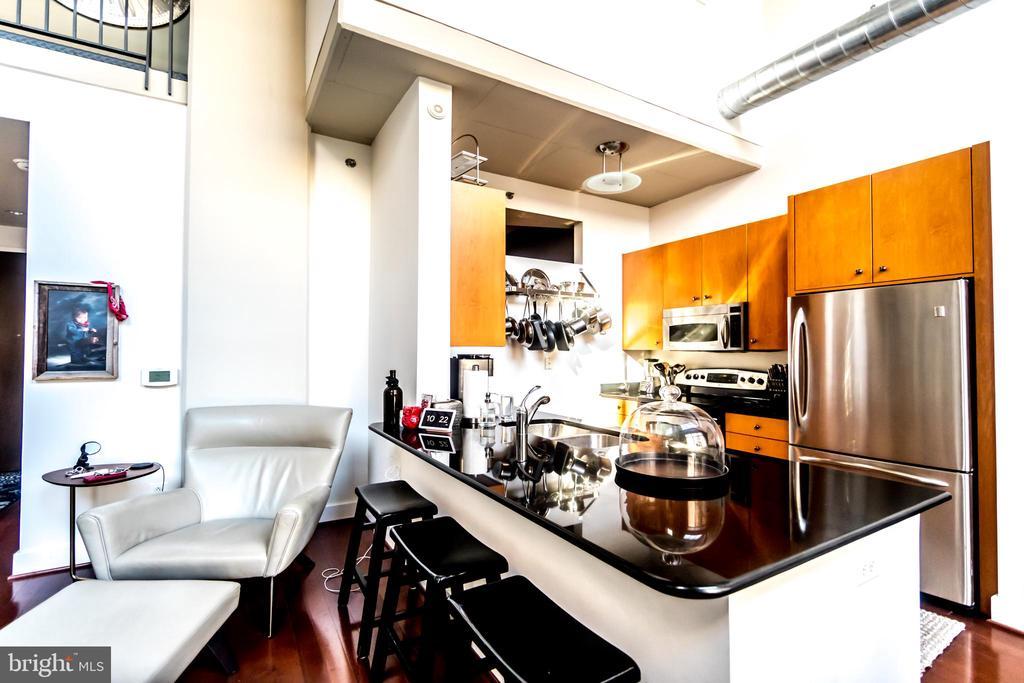 Kitchen - 520 JOHN CARLYLE ST #106, ALEXANDRIA
