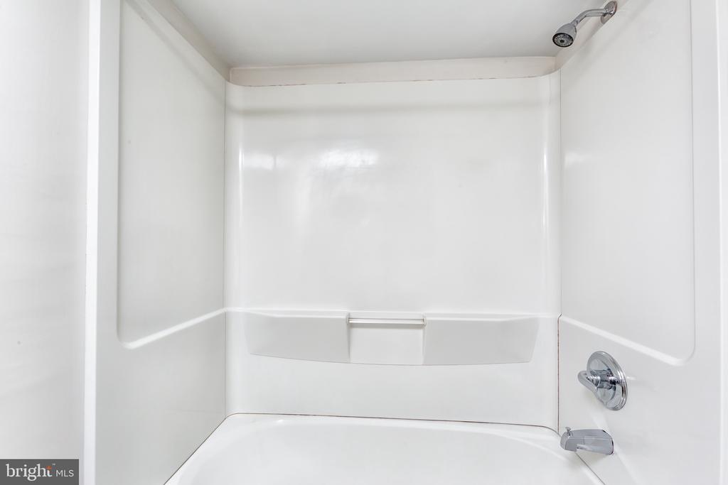 Bathroom - 1001 N RANDOLPH ST #323, ARLINGTON