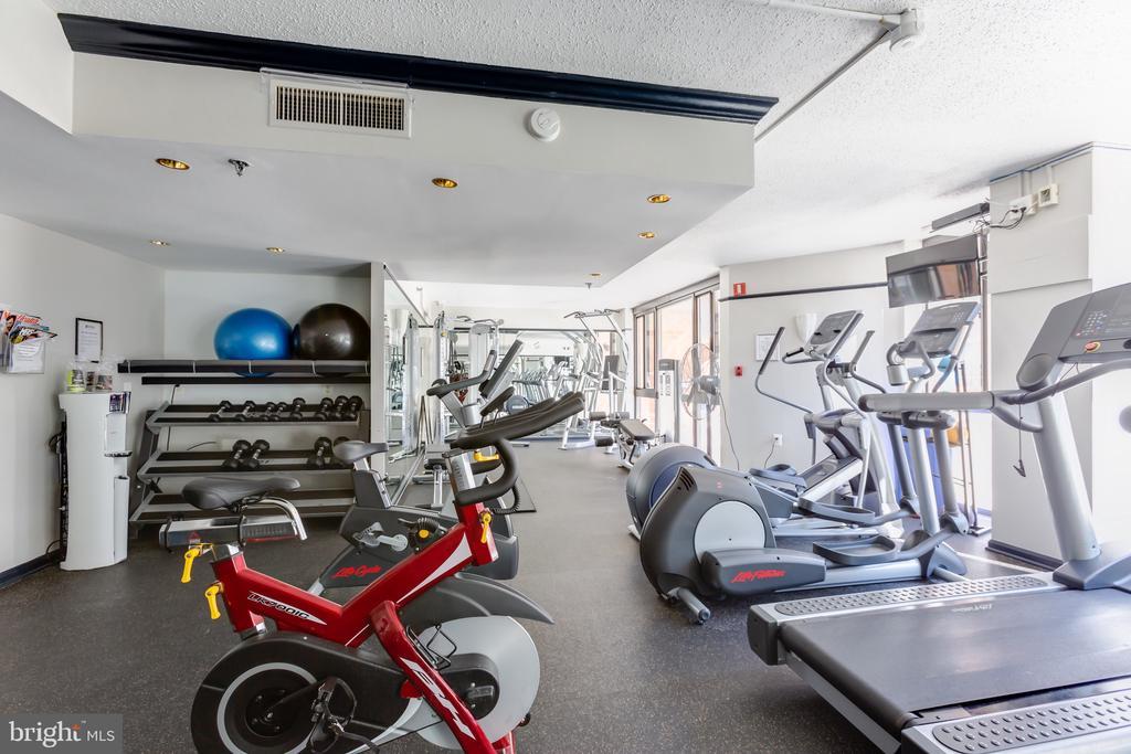Exercise room - 1001 N RANDOLPH ST #323, ARLINGTON