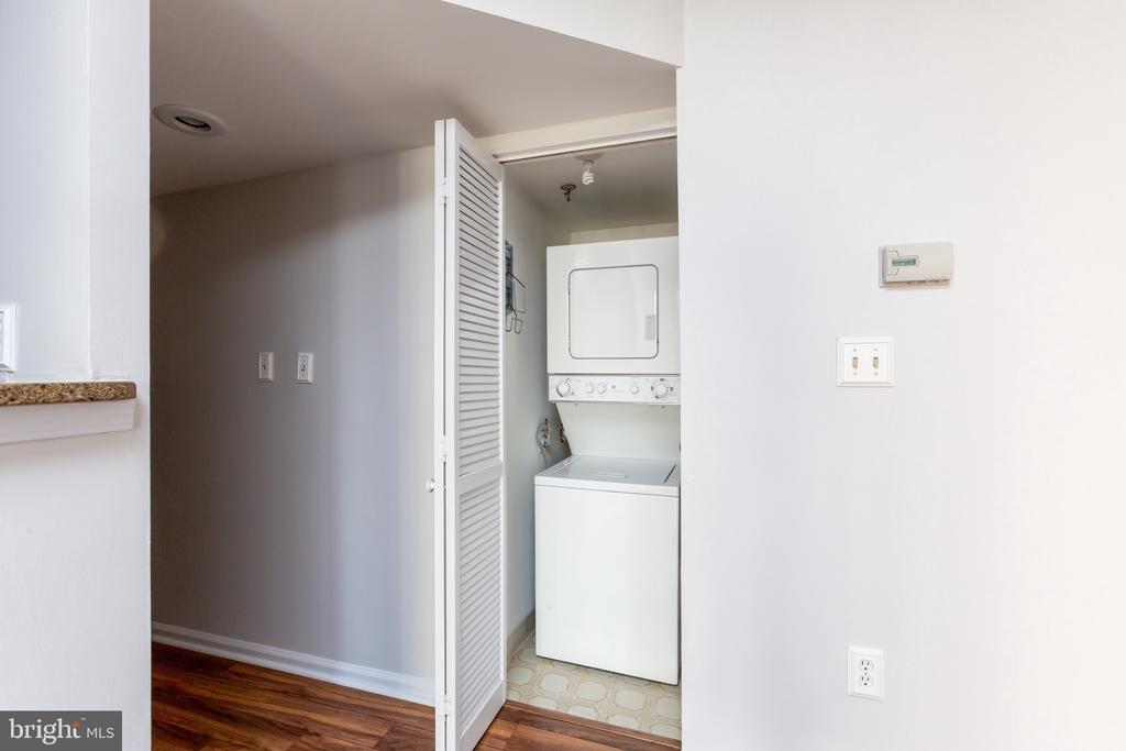 In-unit Washer and Dryer - 1001 N RANDOLPH ST #323, ARLINGTON