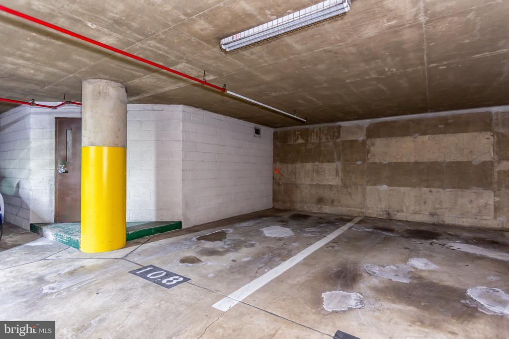 Parking space - 1001 N RANDOLPH ST #323, ARLINGTON