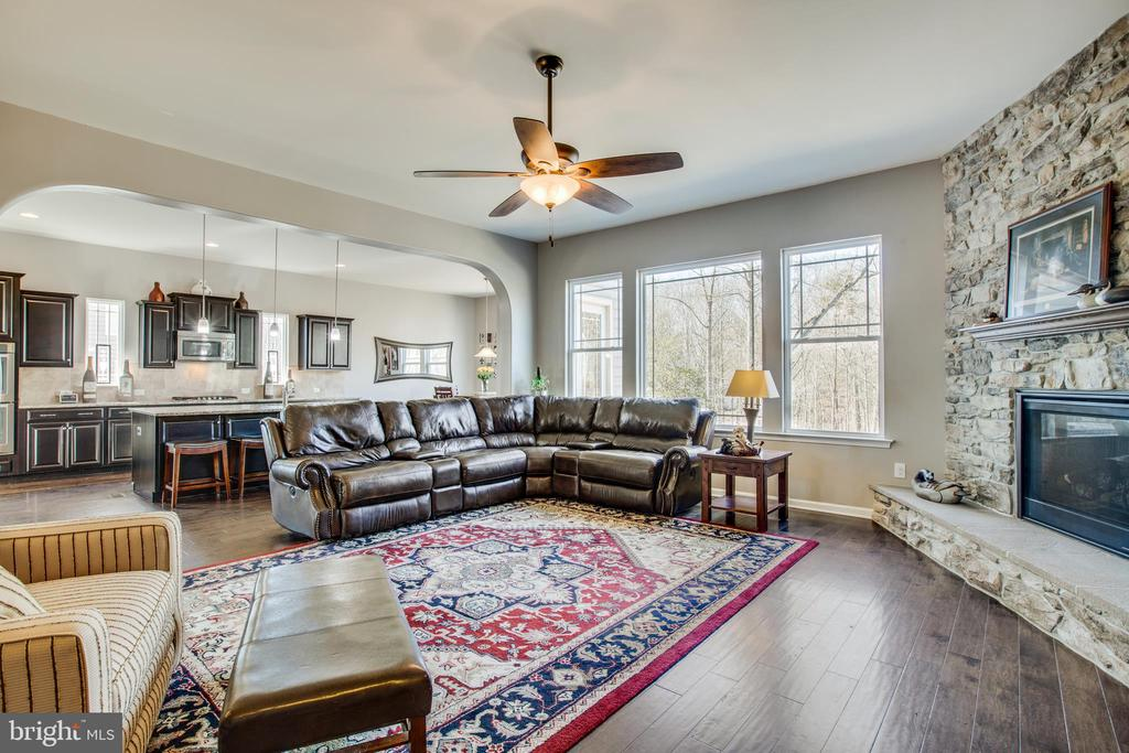 Windows are everywhere and view is stunning. - 215 ROCK RAYMOND DR, STAFFORD