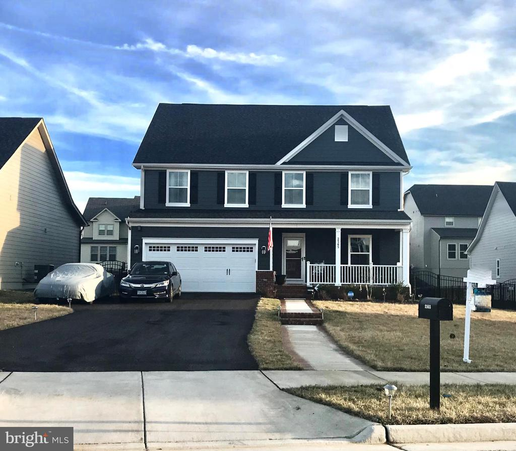 Beautiful Rome Model with popular color scheme - 2565 PASSIONFLOWER CT, DUMFRIES